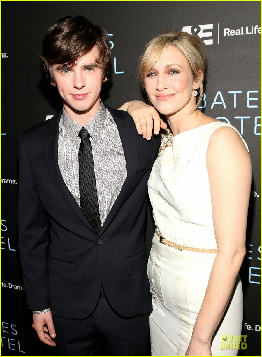 vera farmiga freddie highmore bates motel premiere party 162829700