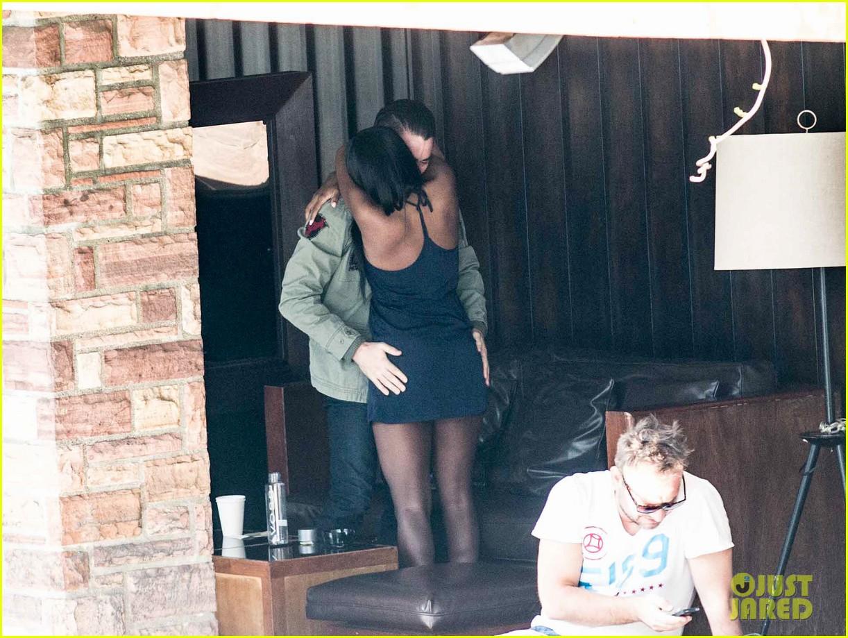 colin farrell wears revealing underwear on ellen 11