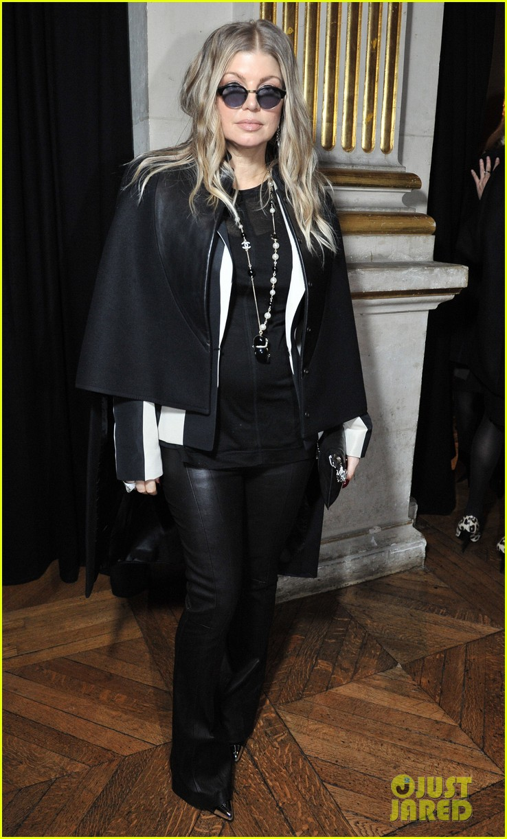 fergie balmain fashion show with cher 05