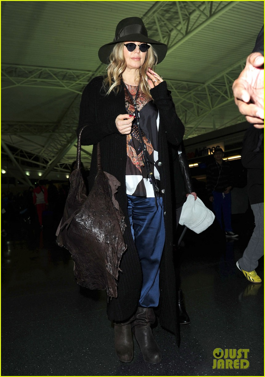 fergie nyc arrival for gma 04