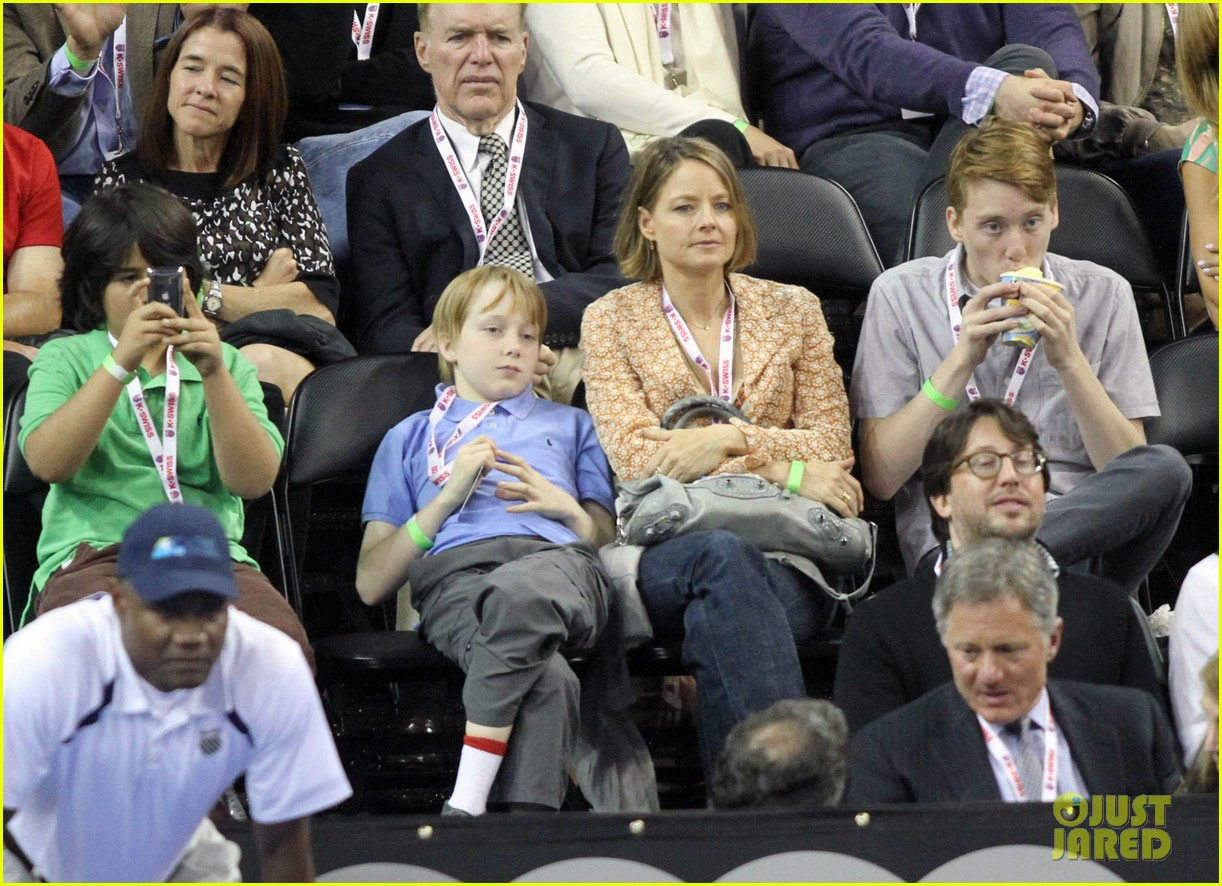 jodie foster errands after tennis match with charlie kit 05