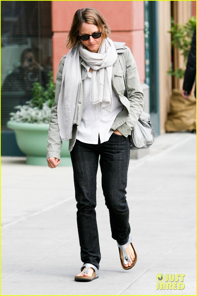 jodie foster errands after tennis match with charlie kit 11