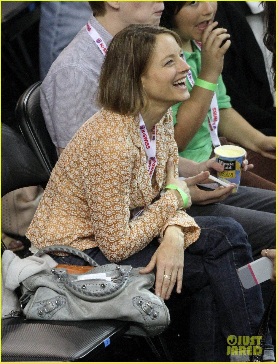 jodie foster errands after tennis match with charlie kit 15