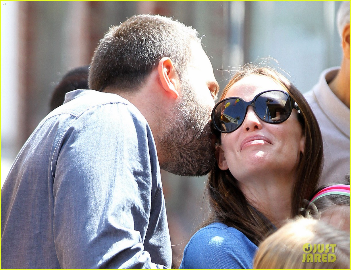 jennifer garner ben affleck violet basketball game 14