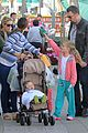 jennifer garner ben affleck farmers market family 01