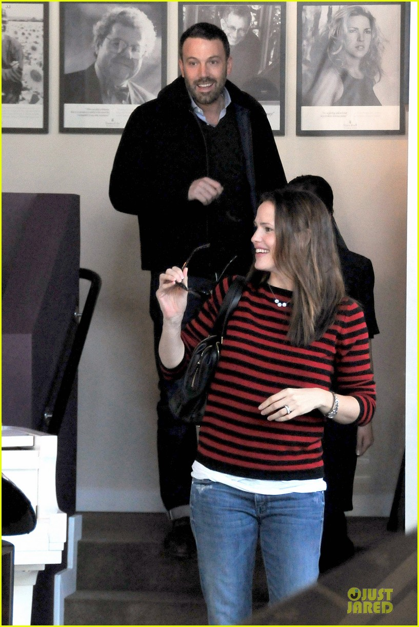 jennifer garner ben affleck piano shopping couple 132831691