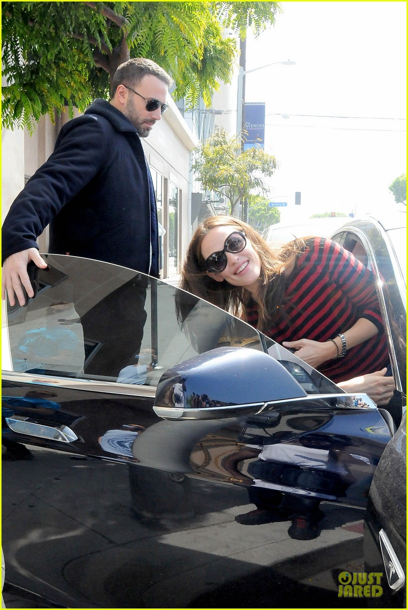 jennifer garner ben affleck piano shopping couple 14