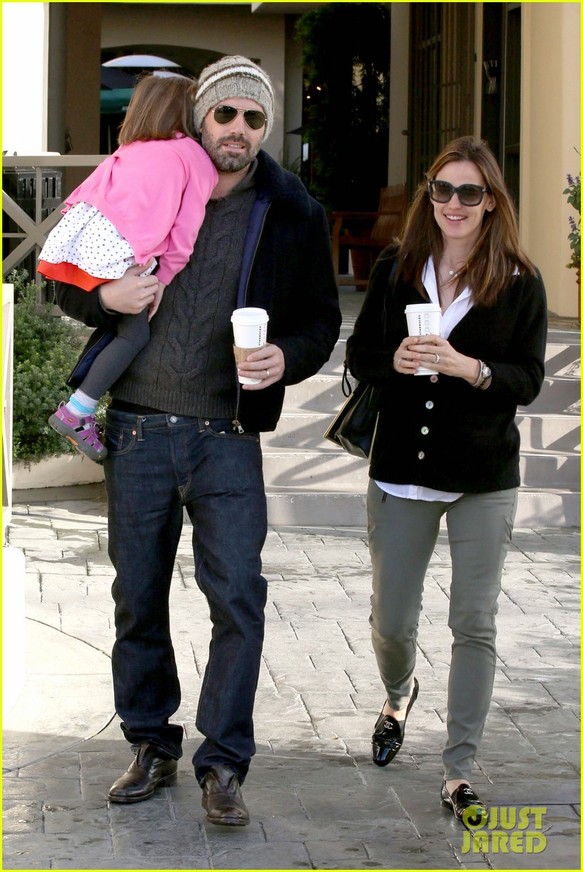 jennifer garner ben affleck breakfast run with sera 01