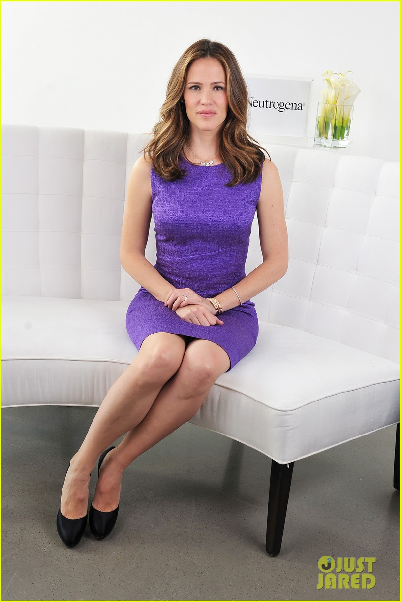 jennifer garner neutrogena sun summit 03