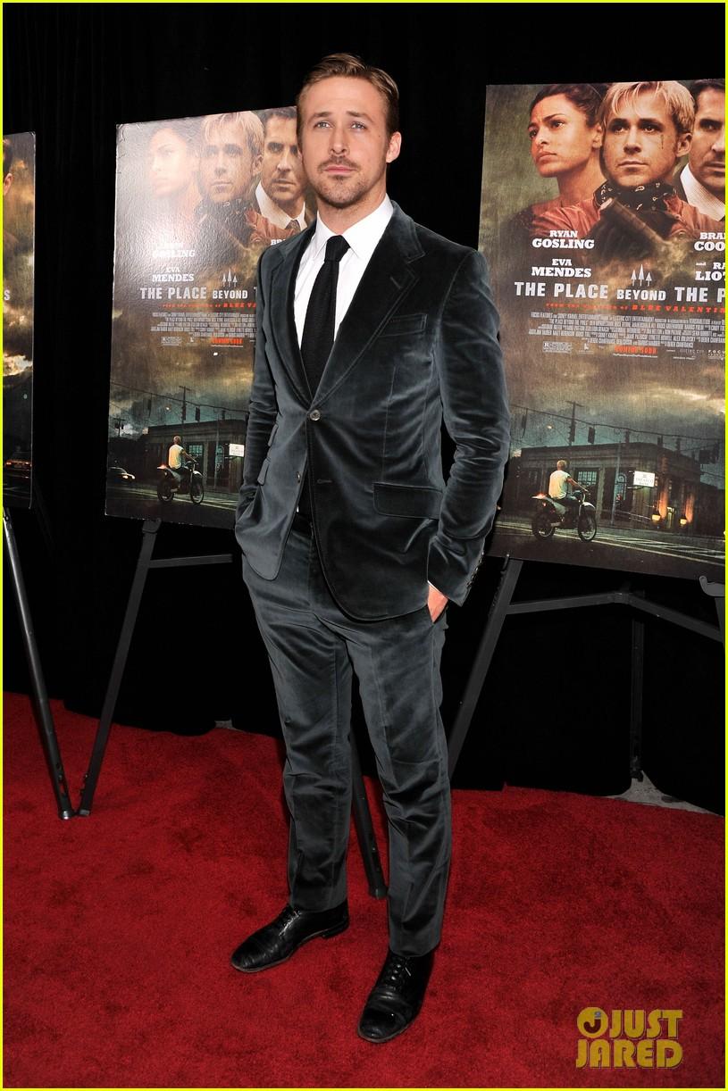 ryan gosling eva mendes place beyond the pines premiere 05