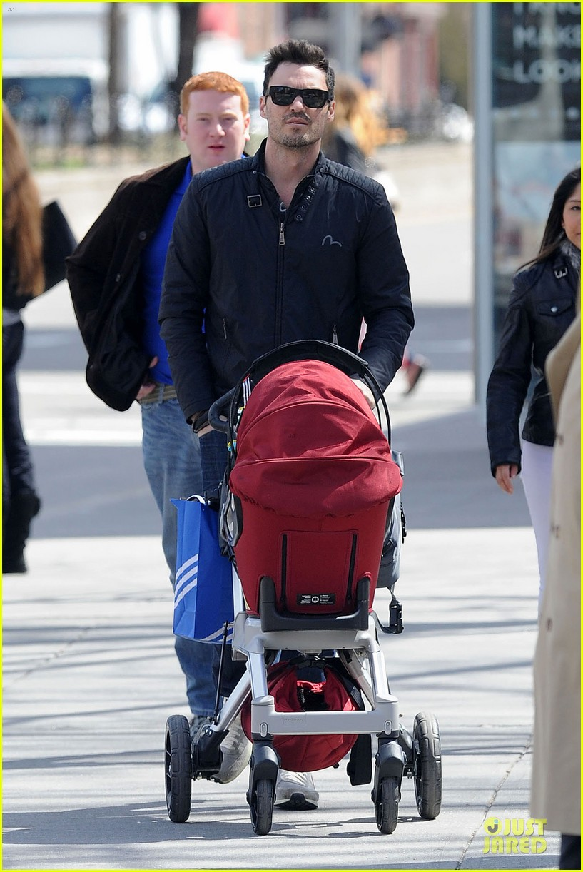 brian austin green adidas store shopping with noah 08