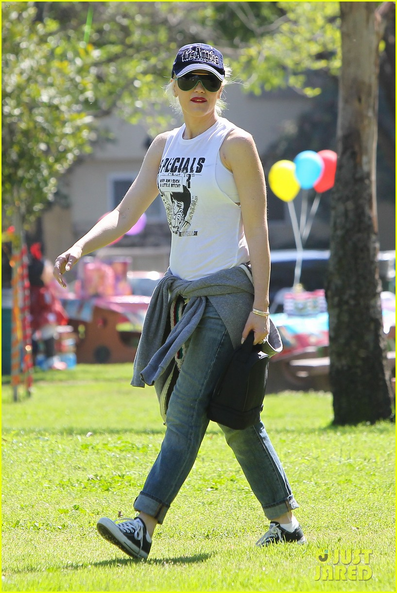 gwen stefani gavin rossdale family fun at the park 12