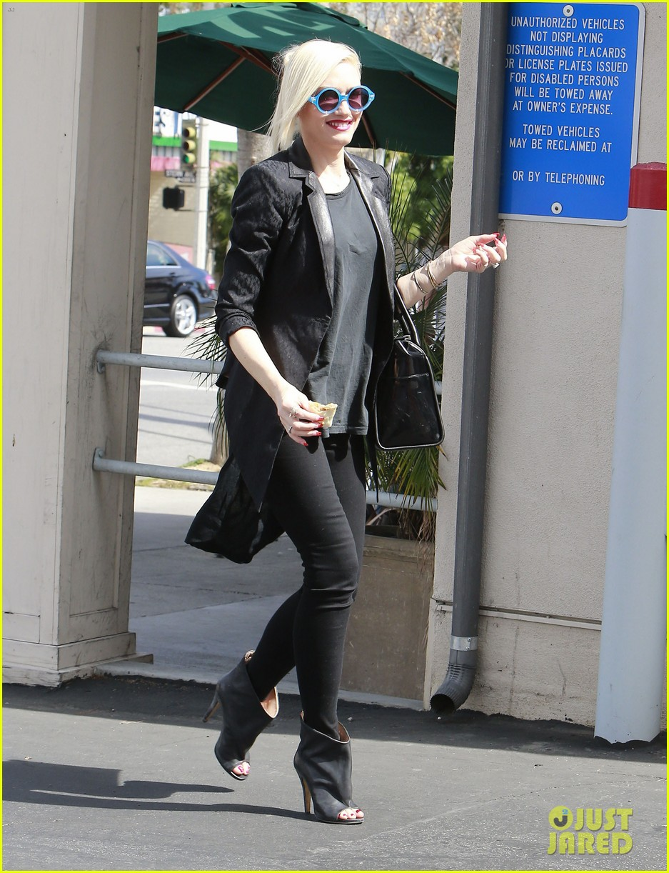 gwen stefani target trip with kingston zuma 20