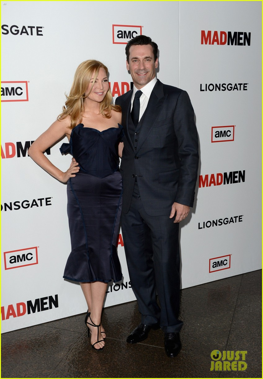 jon hamm vincent kartheiser mad men season 6 premiere 01