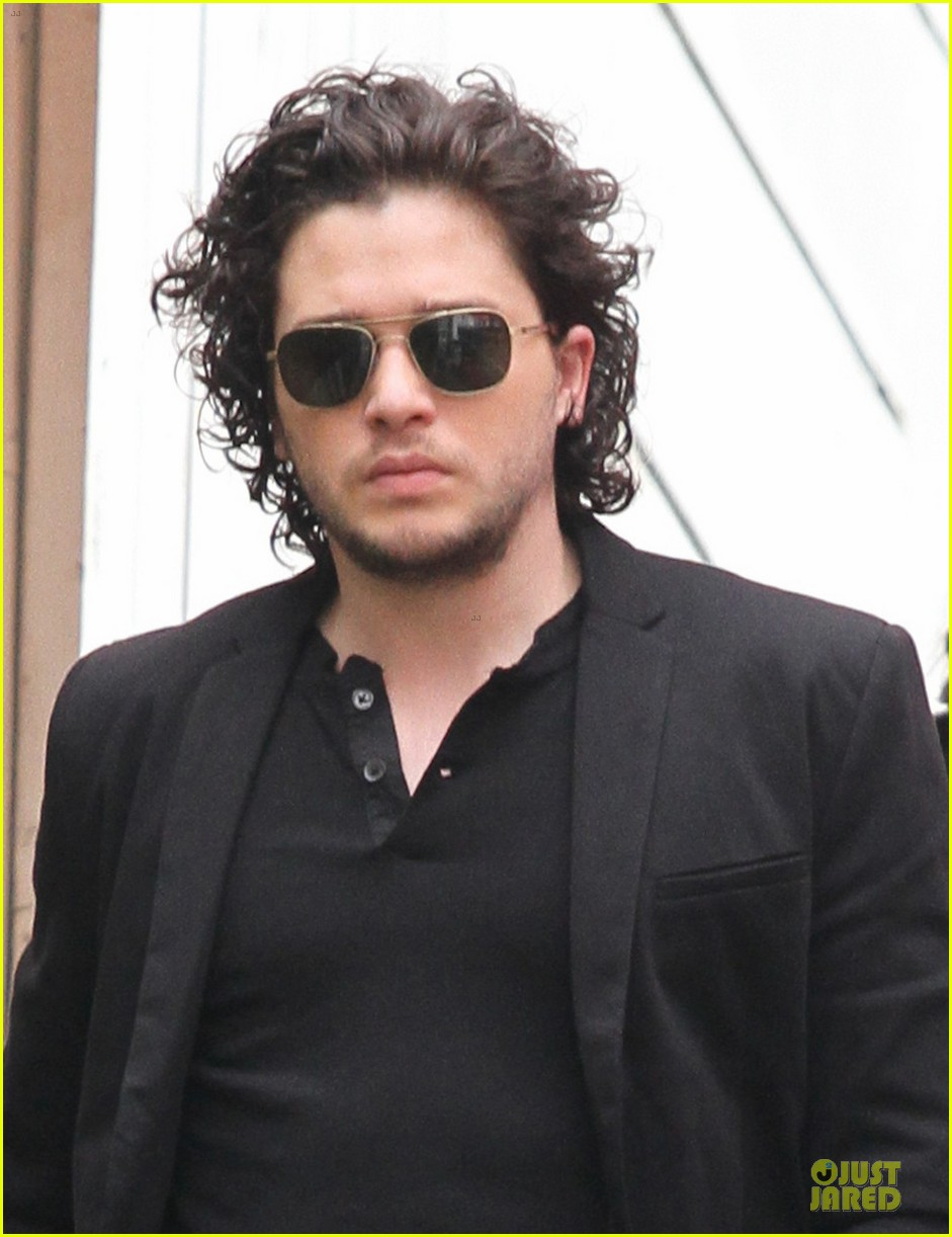 kit harington game of thrones promotion on extra 04