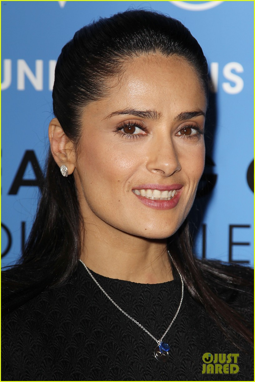 salma hayek avon communication awards 2013 02