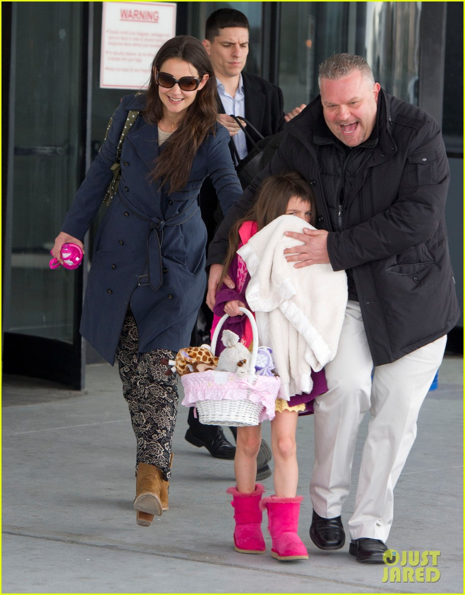 katie holmes suri back from disney world 012839361