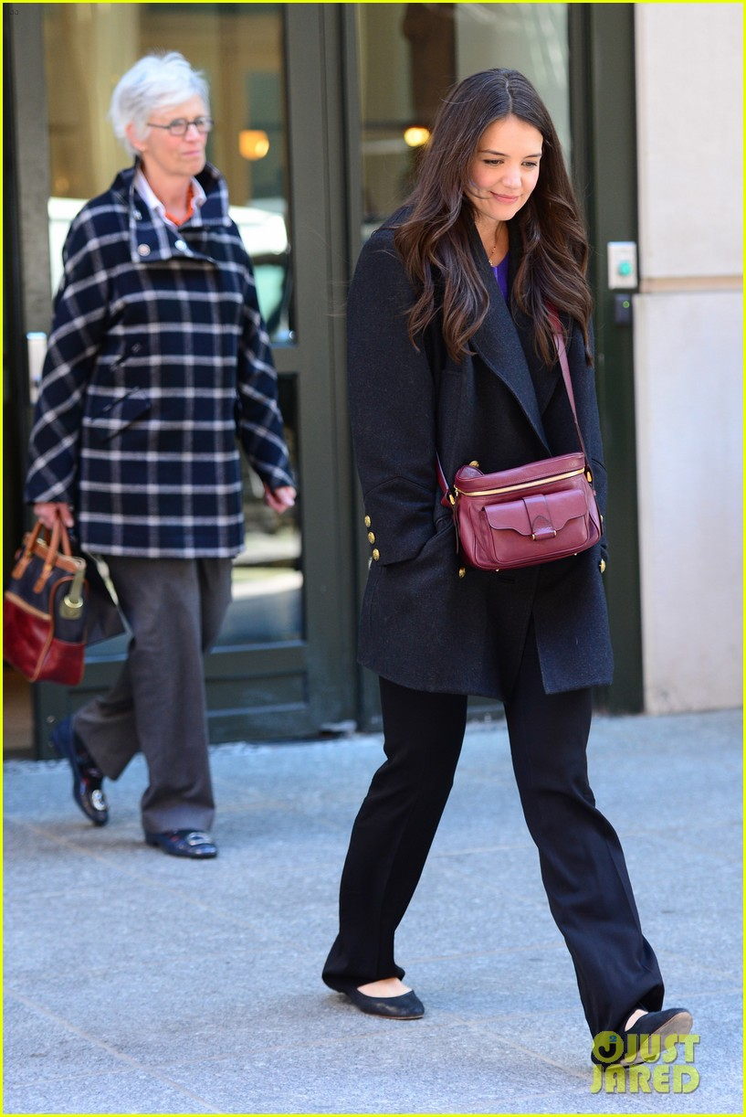 katie holmes lunch date with mom 11
