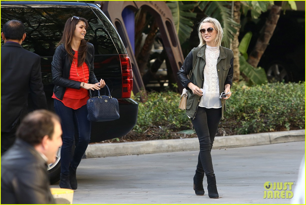 julianne hough post split lakers game with nina dobrev 102832723