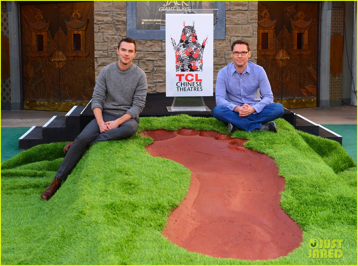 nicholas hoult jack the giant slayer footprint unveiling 01
