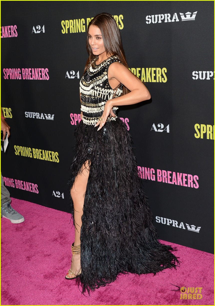 vanessa hudgens ashley benson spring breakers hollywood premiere 07