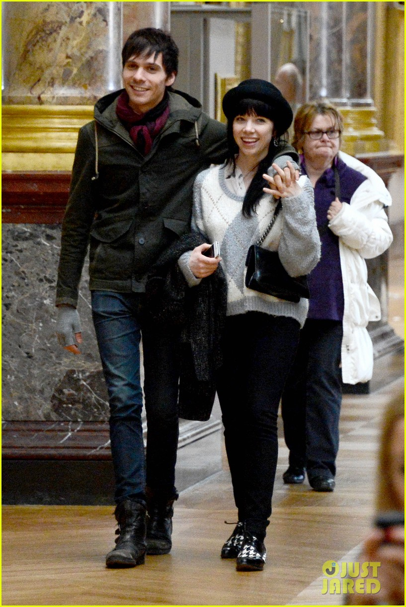 carly rae jepsen matthew koma louvre lovebirds 122833501
