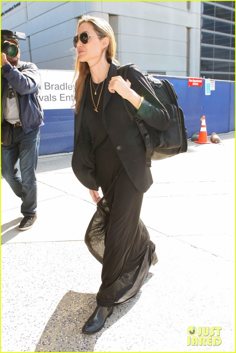 angelina jolie lands in los angeles after congo trip 05