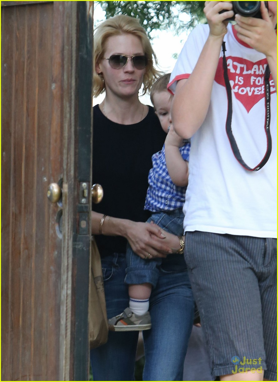 january jones xander le pain quotidien lunch 50