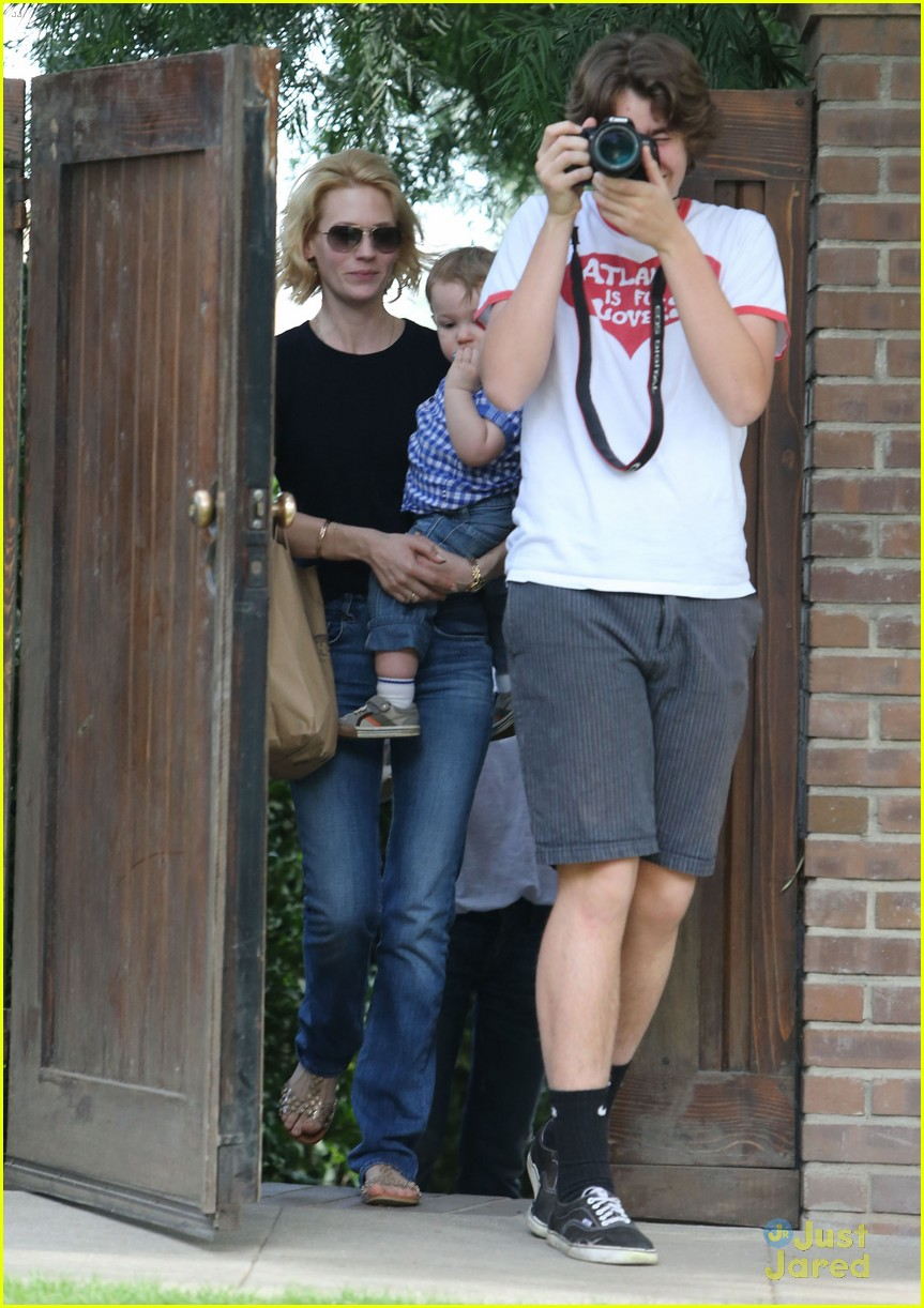 january jones xander le pain quotidien lunch 51