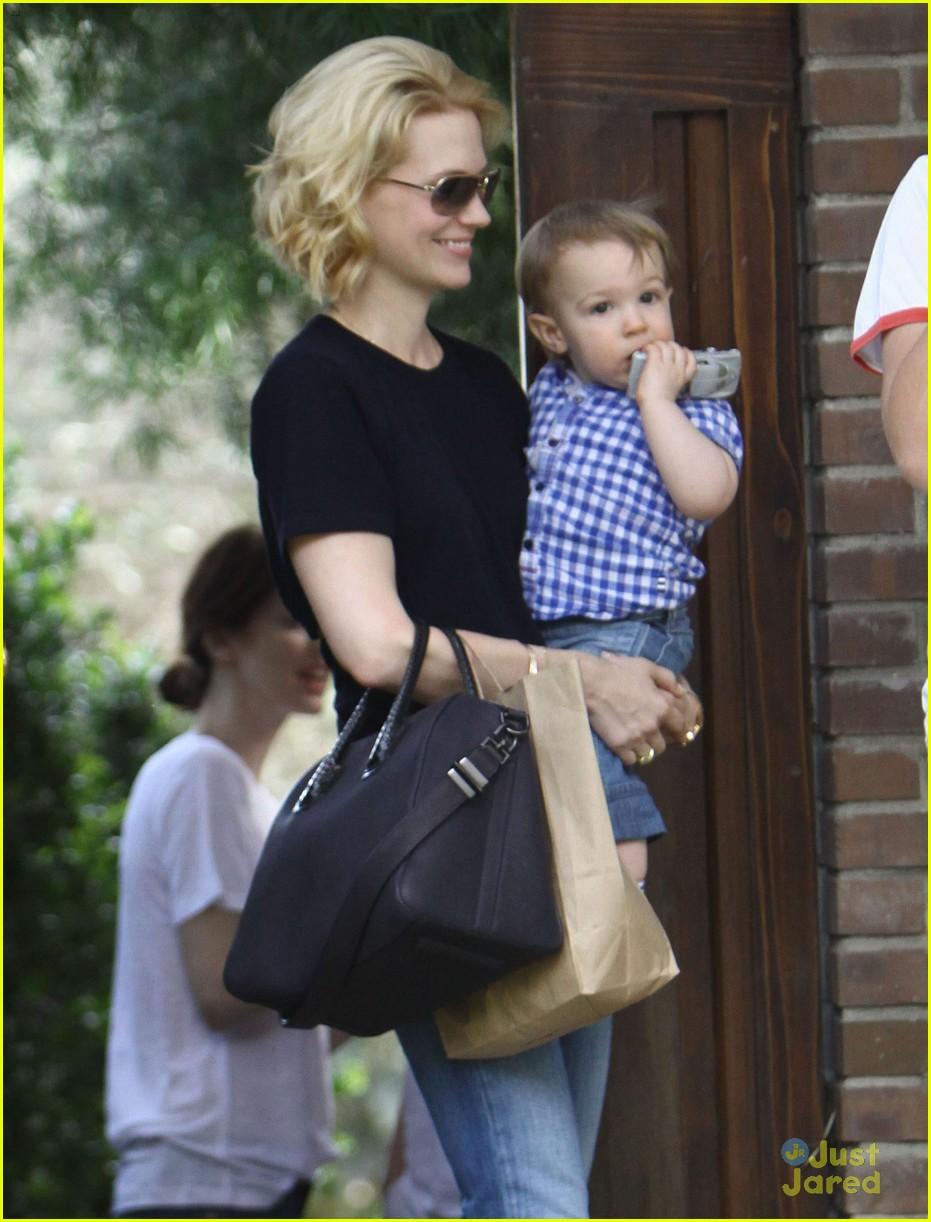 january jones xander le pain quotidien lunch 62