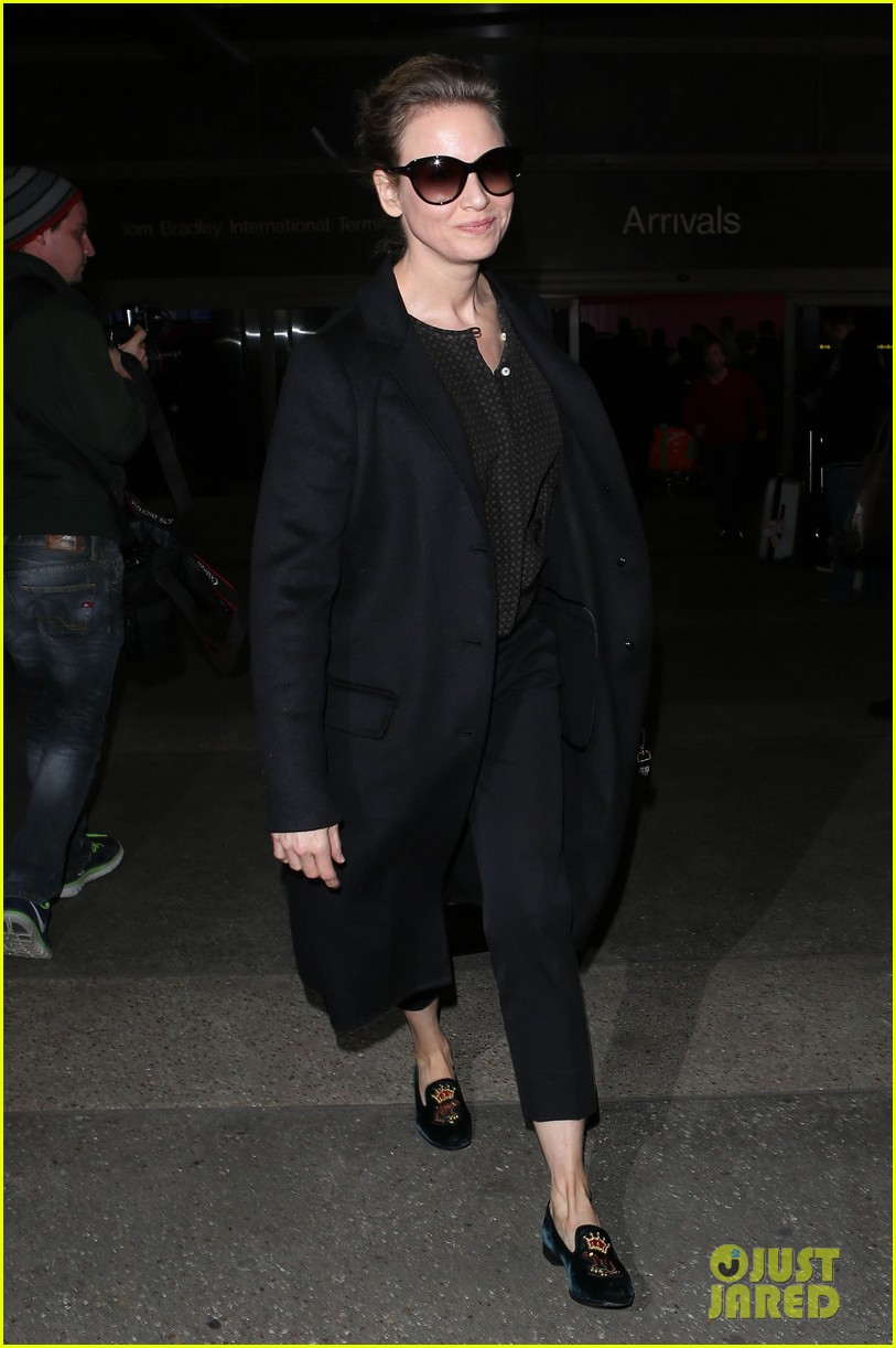 january jones renee zellweger back from paris fashion week 01