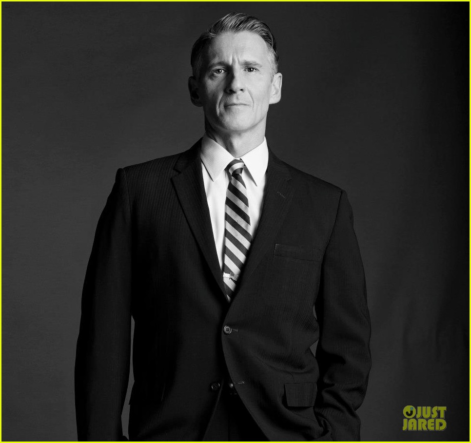 january jones jon hamm mad men season 6 cast portraits 06