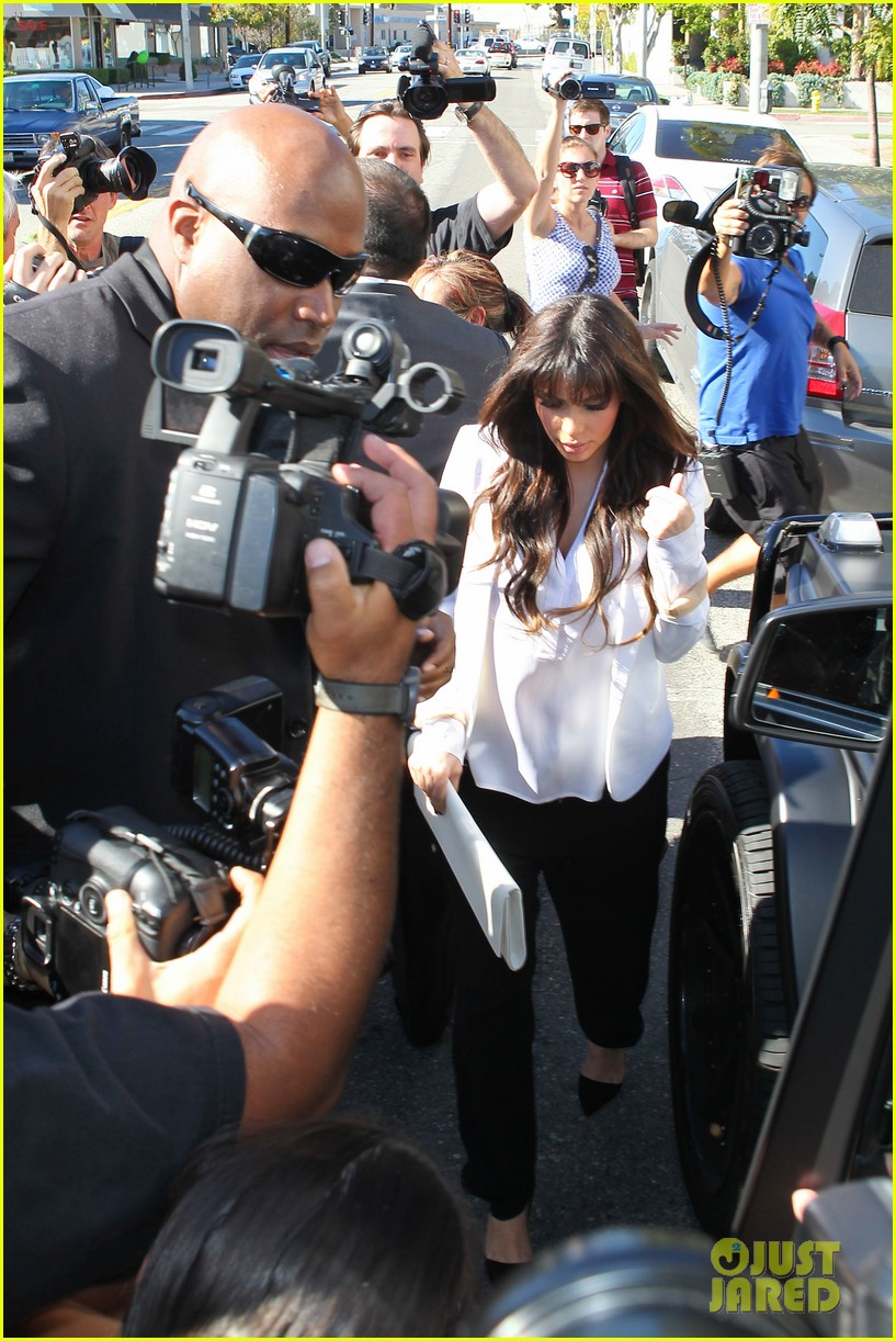 kim kourtney khloe baby shopping 072830120