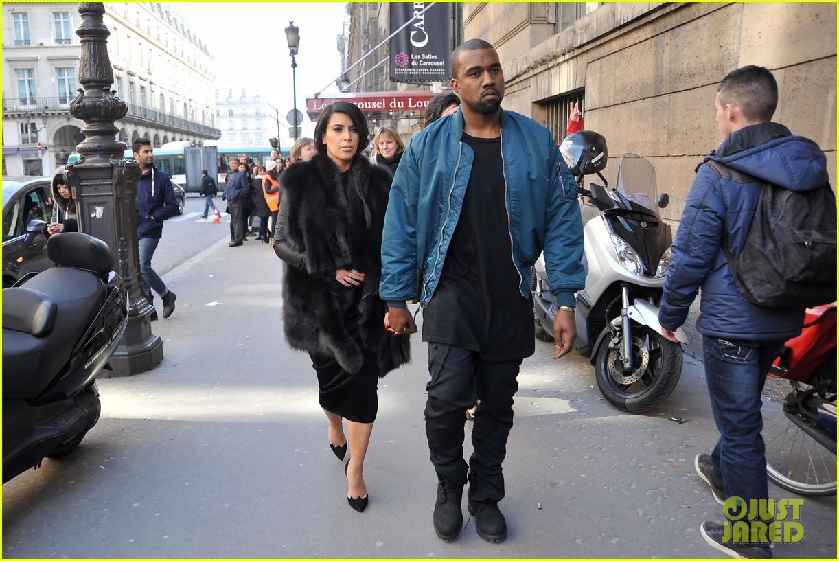pregnant kim kardashian kanye west palais de tokyo visit 08