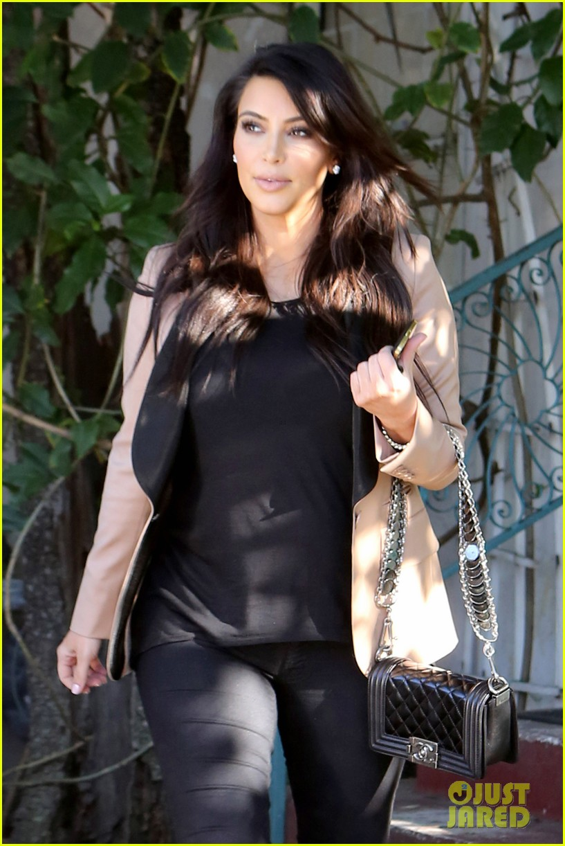 kim kardashian loves expectant mom parking spots 04