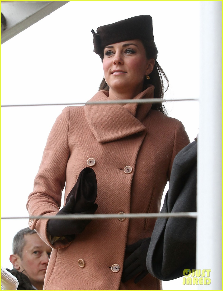 kate middleton pregnant cheltenham visit with prince william042831101