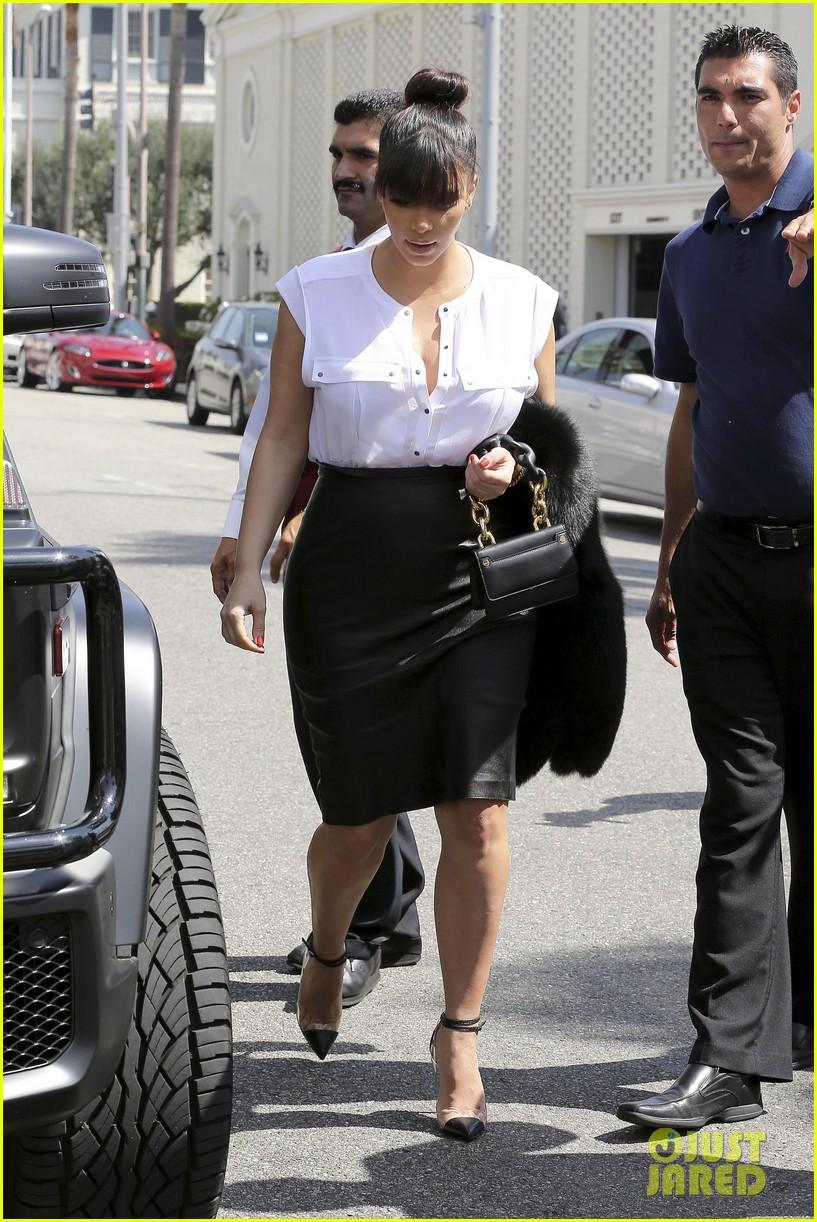 kim kardashian pregnant il pastaio lunch 14