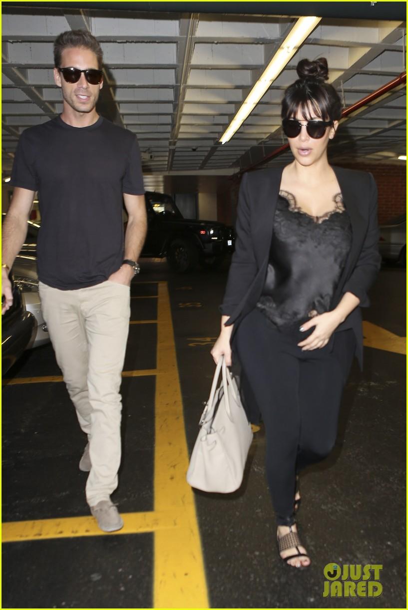 kim kardashian in love with khloe lamar odoms new puppy 08
