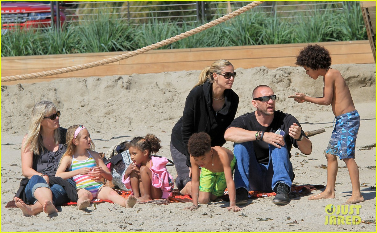 heidi klum martin kirsten beach day with the kids 33