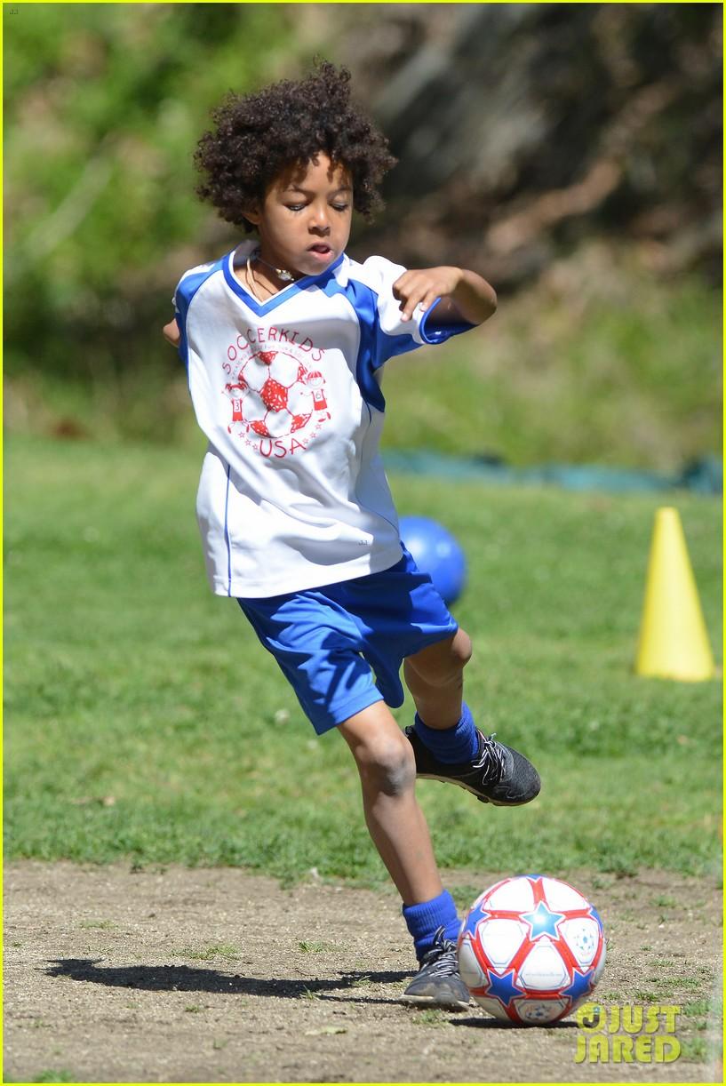 heidi klum boyfriend soccer game 132828164