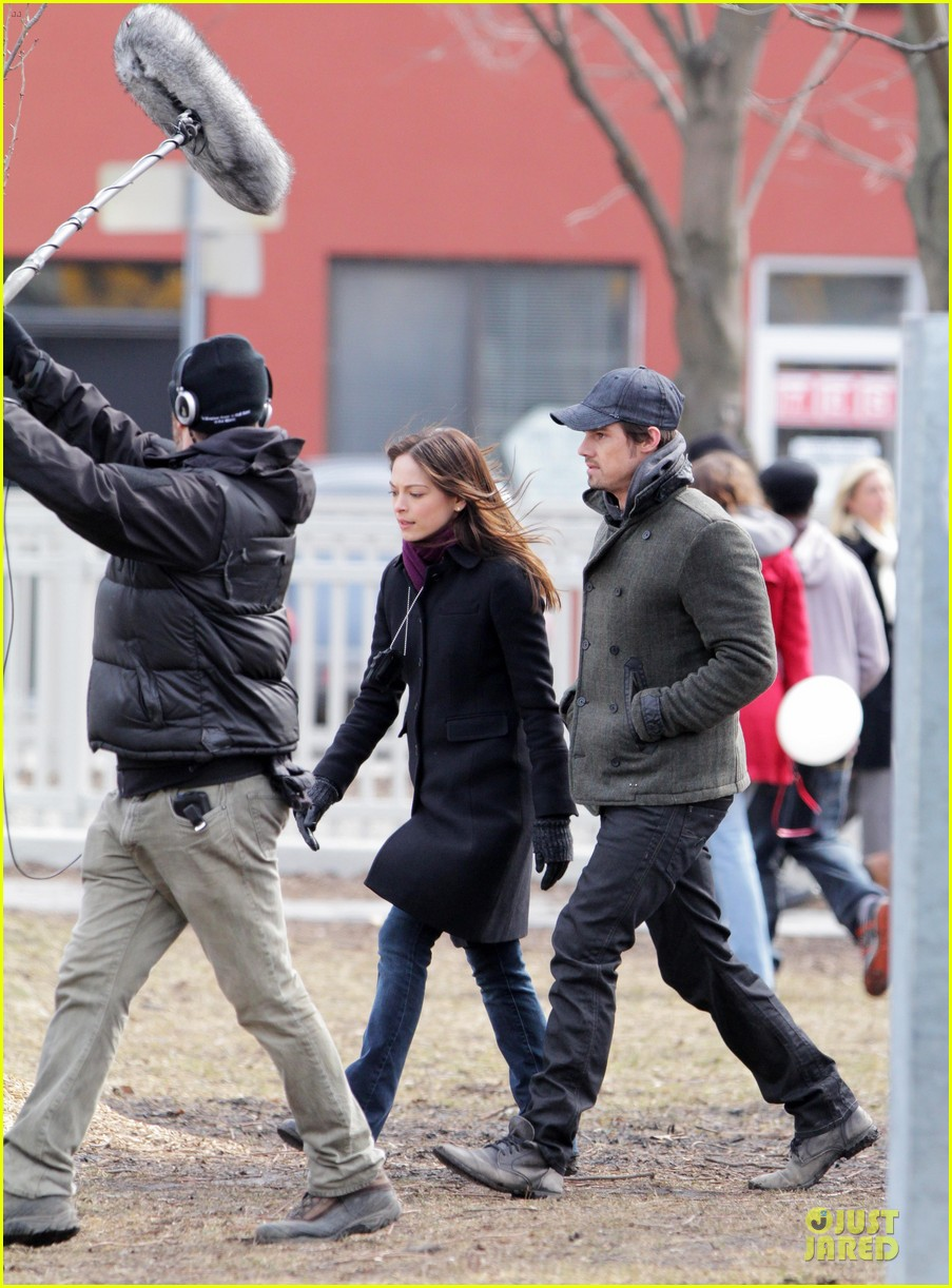 kristin kreuk gun carrying beauty and the beast scene 10