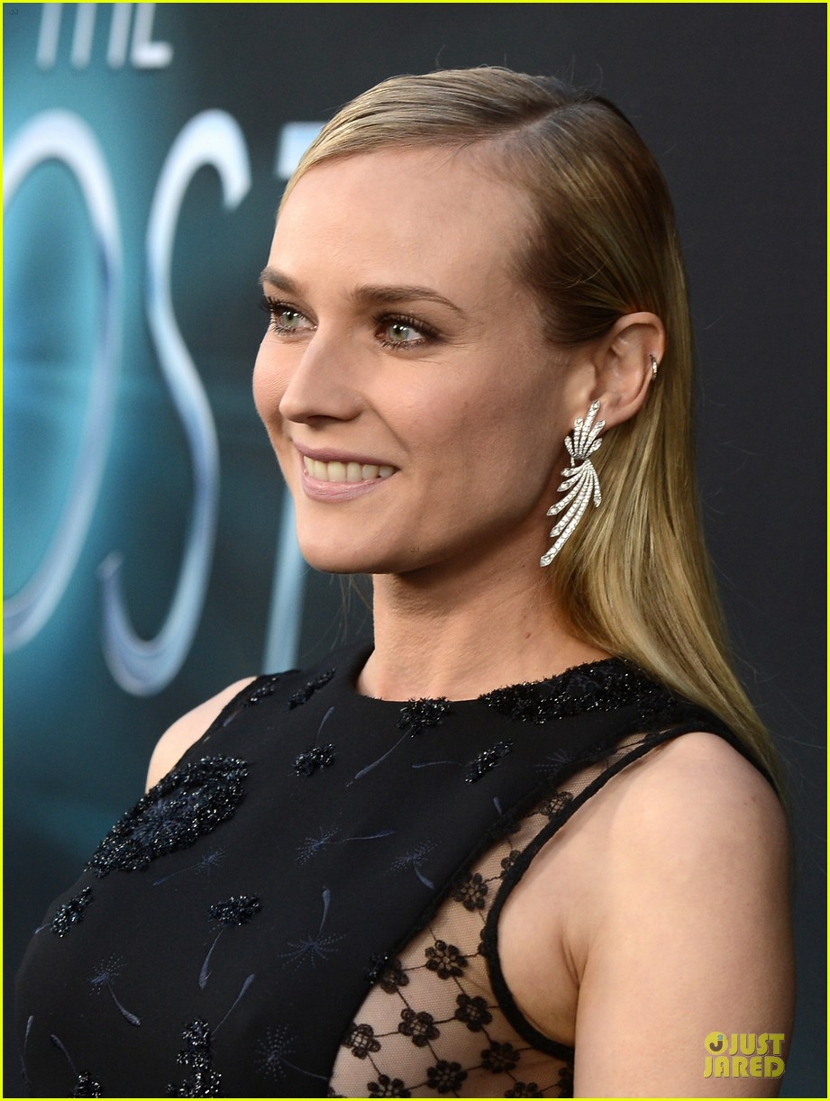 diane kruger joshua jackson host hollywood premiere 10