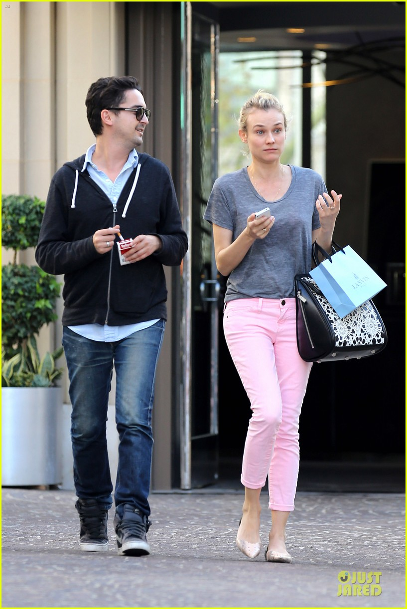 diane kruger pink shopping day 092829620