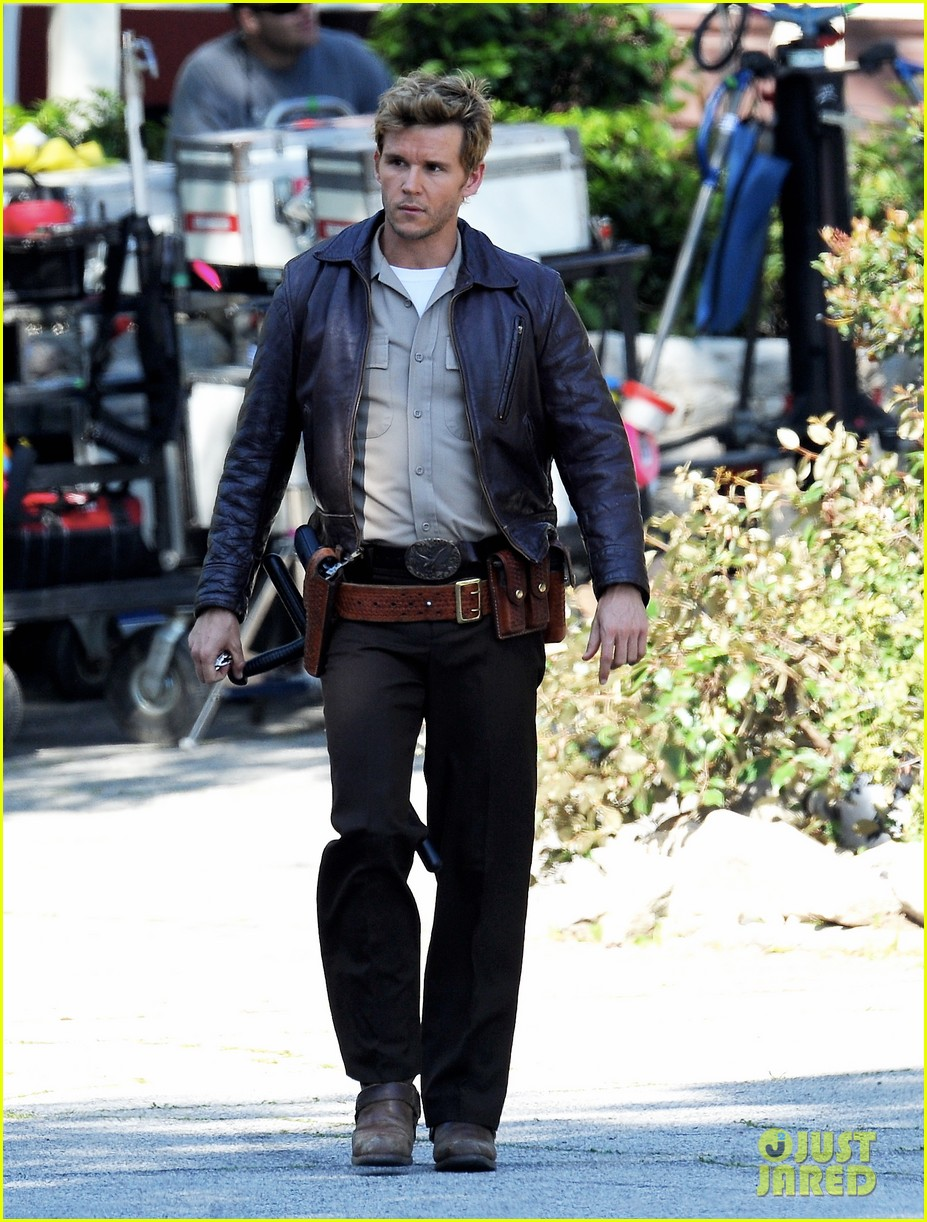 ryan kwanten true blood filming with rutger hauer 06
