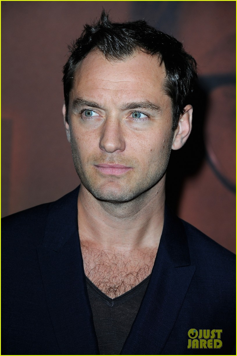 jude law side effects paris premiere 062826879