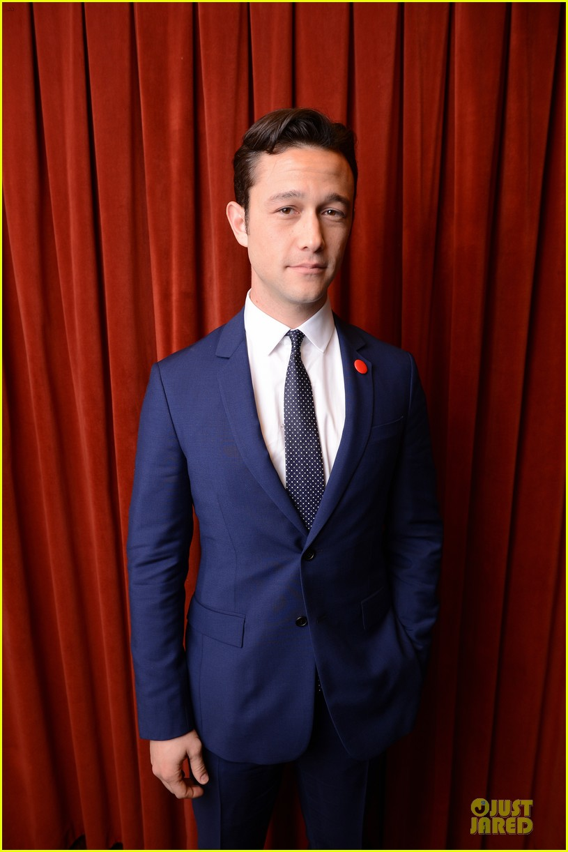 joseph gordon levitt don jon addiction photo op at sxsw 06