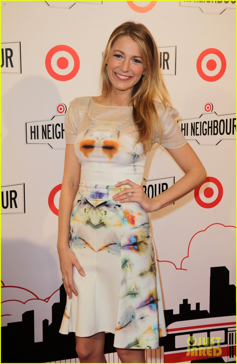blake lively sarah jessica parker target launch in canada 14
