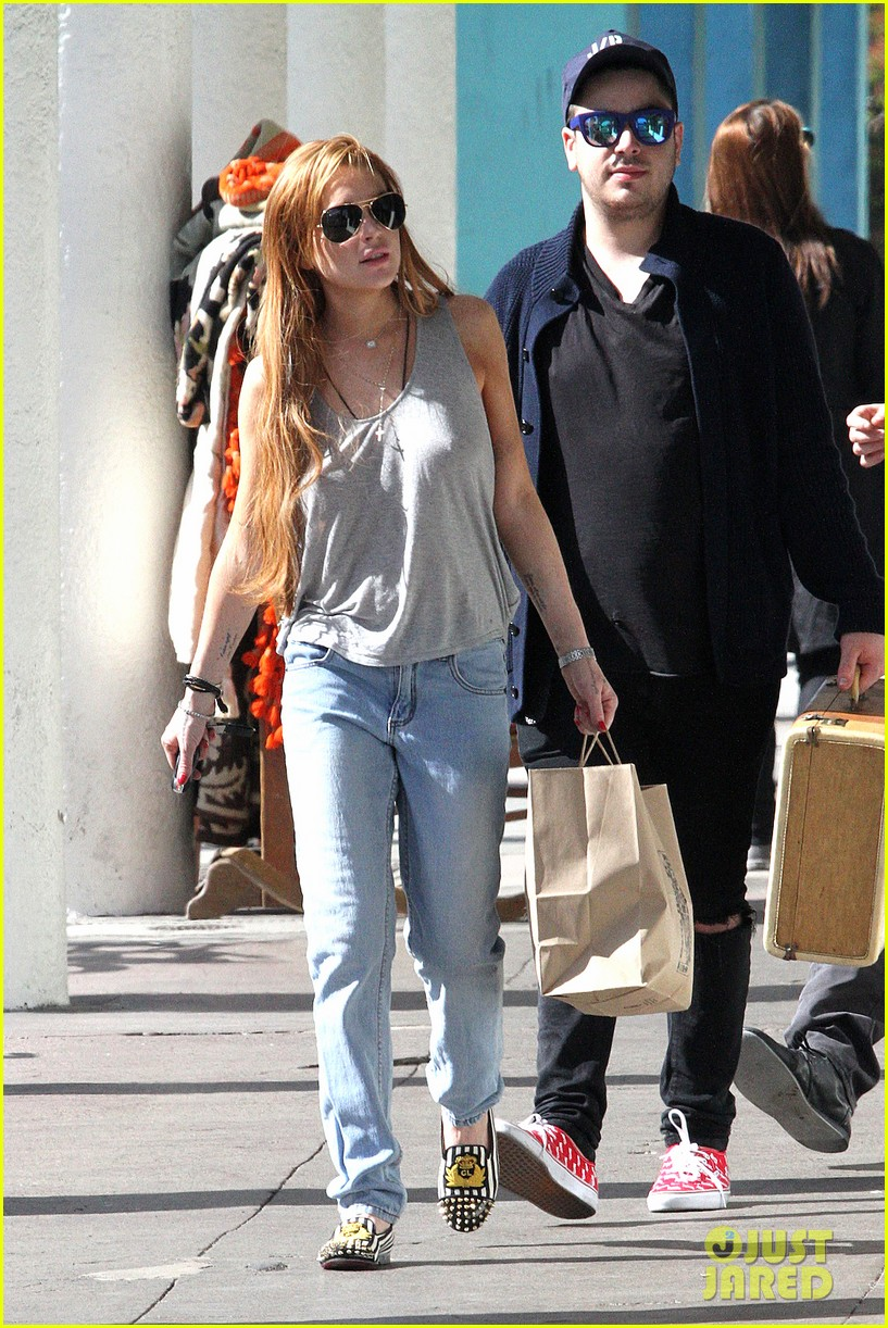 lindsay lohan shopping after court sentencing 09