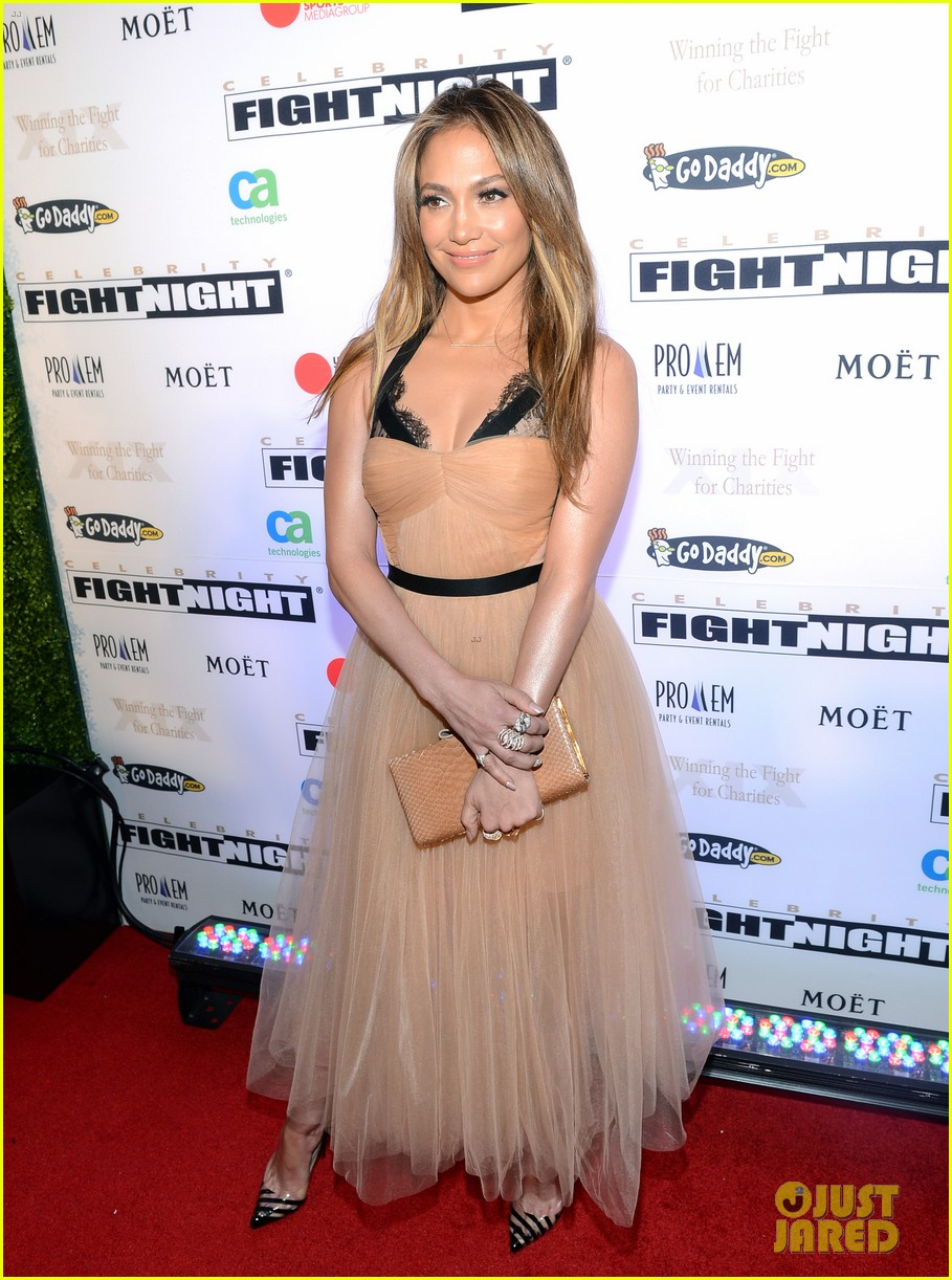 jennifer lopez celebrity fight night with casper smart 142836617