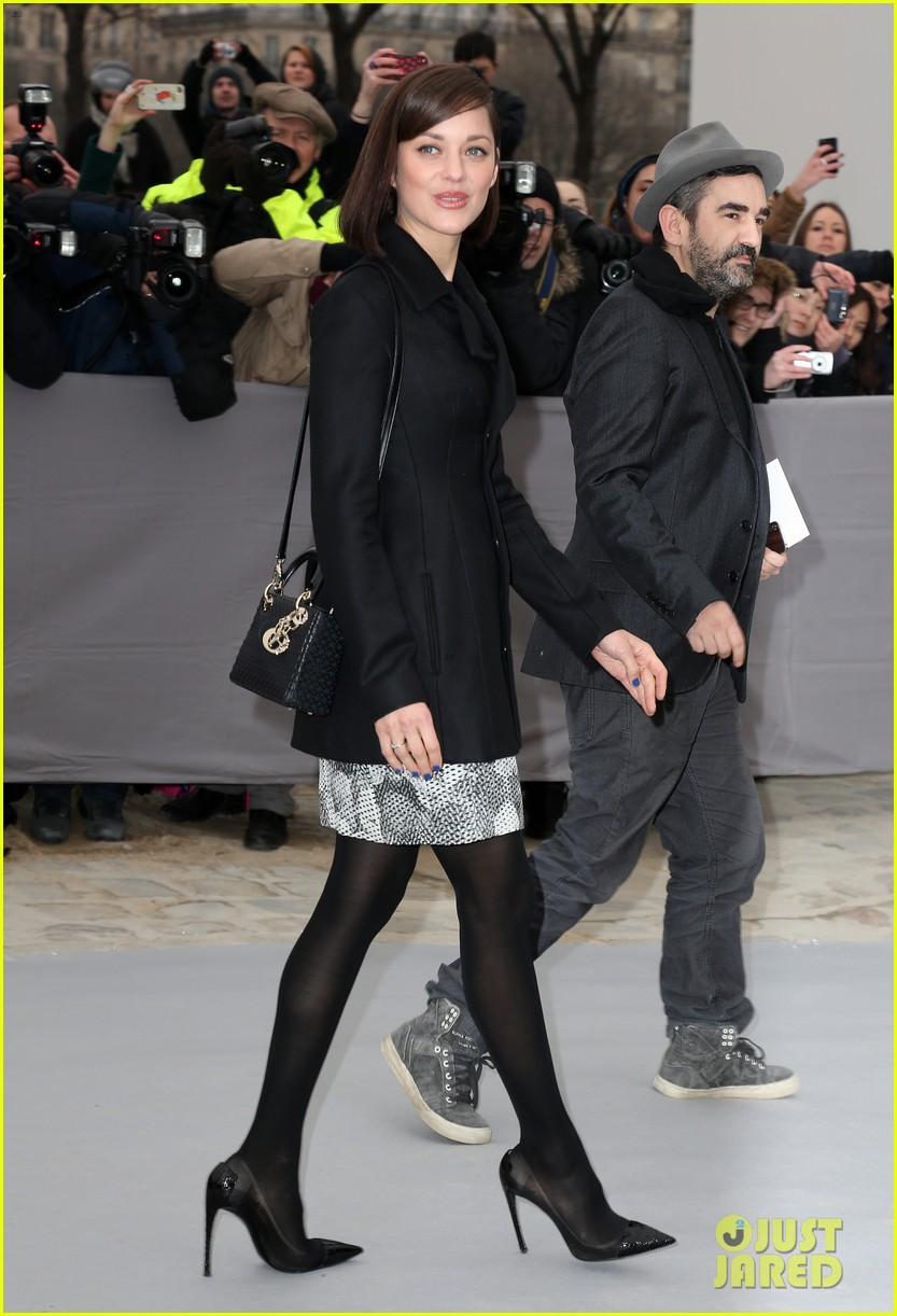 marion cotillard dior paris fashion show 10